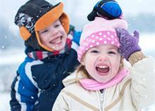 Πώς να κρατάτε το παιδί ζεστό και στεγνό το χειμώνα στο σχολείο