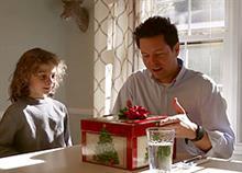 Τα φετινά Χριστούγεννα νιώστε ευγνωμοσύνη για τα καθημερινά δώρα της ζωής σας: Το βίντεο που θα σας συγκινήσει