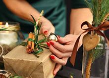 Συμβολικά δωράκια για όταν είστε καλεσμένοι στις γιορτές