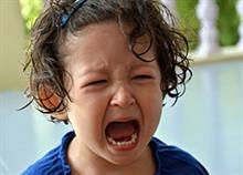 Πώς η τακτική του φόβου καταστρέφει τη σχέση μας με τα παιδιά