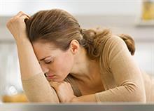 10 ψυχοσωματικά σημάδια που δείχνουν ότι έχετε πολύ άγχος