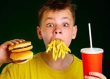 Τα fast food συνδέονται με άσθμα και αλλεργίες στα παιδιά