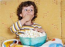 Αιτία παχυσαρκίας η τηλεόραση στο παιδικό δωμάτιο