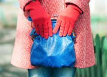 'Ερευνα: Η γυναικεία τσάντα περιέχει περισσότερα μικρόβια από τη λεκάνη