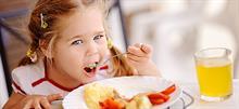 Ταβέρνες με παιδότοπο: Φαγητό και διασκέδαση για όλους!