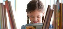 Πώς να μεγαλώσετε ένα παιδί που προτιμά τα βιβλία από τις οθόνες