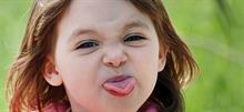 4 κακές συμπεριφορές των παιδιών που αγνοούμε (ενώ θα έπρεπε να απαγορεύουμε)