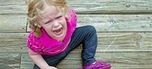 Μη με παρεξηγείτε όταν το παιδί μου ουρλιάζει και χτυπιέται σε δημόσιους χώρους...