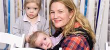 Το απίστευτο κόλπο που χρησιμοποιεί η Drew Barrymore όταν οι κόρες της κλαίνε και φωνάζουν!