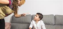 5 πρακτικοί τρόποι για  να μην βάζετε τις φωνές στο παιδί