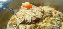 Πώς να φτιάξετε πεντανόστιμο μοσχαράκι με κριθαράκι