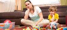 «Στη μαμά φίλη μου: Όταν έρχομαι σπίτι σου, δεν με νοιάζουν τα πεταμένα παιχνίδια. Με νοιάζεις εσύ»