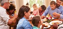 5 τύποι φίλων και συγγενών που συναντάς σε κάθε οικογενειακή συγκέντρωση