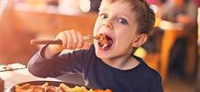 Τσικνοπέμπτη για παιδιά: 3 φανταστικές συνταγές  για τα πιτσιρίκια της παρέας