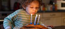 Πώς θα οργανώσετε το καλύτερο πάρτι γενεθλίων για το παιδί σας (ακόμη και αν δεν έχετε καλεσμένους)