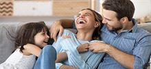 Πίσω από ένα ευτυχισμένο παιδί βρίσκεται ένα αγαπημένο ζευγάρι!