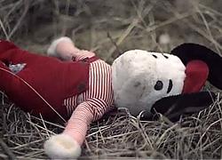 Θα εγκαταλείπατε ποτέ το παιδί σας; Δείτε το συγκινητικό βίντεο