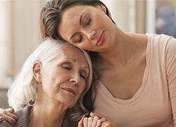 Τα στάδια που περνάει η σχέση κάθε κόρης με τη μαμά της