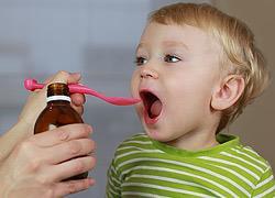 Παιδί και αντιβίωση: Μήπως το έχουμε παρακάνει;
