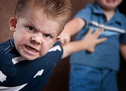 3 ανησυχητικές συμπεριφορές των παιδιών και πώς να τις αντιμετωπίσετε