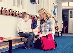 Πώς να αποφύγετε τα κλάματα όταν αφήνετε το παιδί στον παιδικό σταθμό