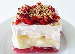Πώς να φτιάξετε δροσερό γλυκό ψυγείου με φράουλες