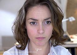 Πώς η κούραση αλλάζει το πρόσωπο της μαμάς