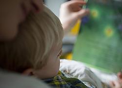 «Γιατί δεν θέλω ο γιος μου να μάθει να διαβάζει από το νηπιαγωγείο»