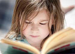 8 λογοτεχνικοί θησαυροί που θα ταξιδέψουν τη φαντασία των παιδιών