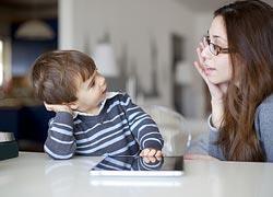 Πώς να βοηθήσω το παιδί να μιλήσει