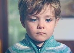 Τι είναι το παιδικό Alzheimer που κάνει μια 2χρονη να ξεχνάει ό,τι έχει μάθει;