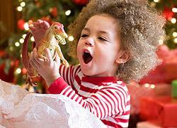 4 χριστουγεννιάτικες συνήθειες που θα μας λείψουν όταν τα παιδιά μεγαλώσουν