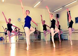 Hansel & Gretel: Κλασικό μπαλέτο για όλη την οικογένεια στο θέατρο Παλλάς