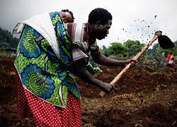 Πώς είναι να είσαι μαμά στα πιο φτωχά μέρη του κόσμου