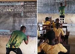 Ένας δάσκαλος-πρότυπο παραδίδει μαθήματα Πληροφορικής και Ανθρωπιάς
