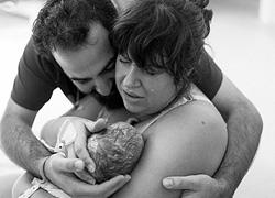 Τα πρώτα δευτερόλεπτα μιας νέας ζωής μέσα από 10 συγκινητικές φωτογραφίες