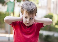 Ποιος είναι ο πραγματικός λόγος που τα παιδιά δεν μας ακούν
