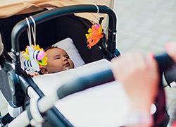 Τι δεν πρέπει να λείπει ποτέ από την τσάντα σας όταν έχετε μωρό