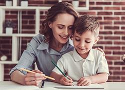 Ιστορία, Γλώσσα, Μαθηματικά: Οι πιο διασκεδαστικοί τρόποι να βοηθήσετε το παιδί στα βασικά μαθήματα του δημοτικού