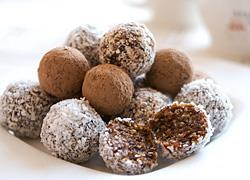 3 πεντανόστιμα γλυκά που δεν έχουν αλεύρι και ζάχαρη