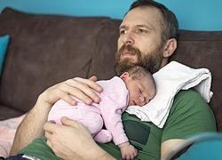 Μόνος στο σπίτι με το μωρό: Συμβουλές για τον νέο μπαμπά