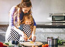 «Μάνα, μητέρα, μαμά»: Πώς να μετατρέψεις τις δύσκολες στιγμές με τα παιδιά σε διασκέδαση