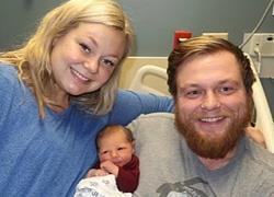 Έγκυος στον 10ο μήνα σώζει τον άντρα της λίγο πριν γεννήσει