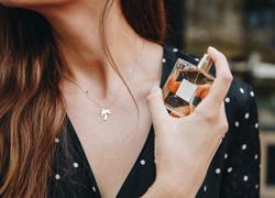 10 κόλπα για να μυρίζετε πάντα υπέροχα
