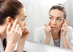 6 λάθη που κάνετε στο μακιγιάζ και φαίνεστε κουρασμένη
