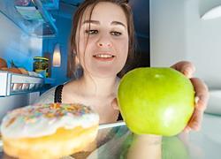 Τι τρώει ένας διατροφολόγος πριν τον ύπνο
