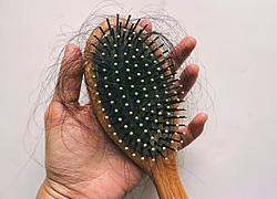 3 τρόποι να καθαρίσετε τη βούρτσα μαλλιών από τις τρίχες