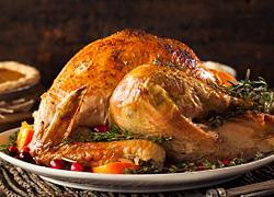 «Η συνταγή που μου έλυσε τα χέρια»: 4 μαμάδες μοιράζονται την πιο δοκιμασμένη τους γιορτινή συνταγή