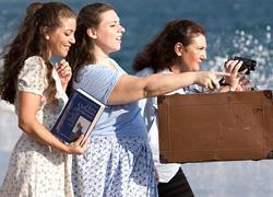 Κερδίστε 4 διπλές προσκλήσεις για την παράσταση «Η βαλίτσα του Χανς» στον Αστερίσκο στις 24/3