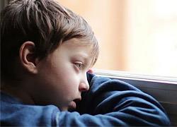 «Μήπως το παιδί μου δεν είναι ευτυχισμένο;»: Τα σημάδια που δείχνουν πως κάτι του συμβαίνει